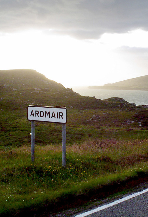 ARDMAIR TOWN SIGN